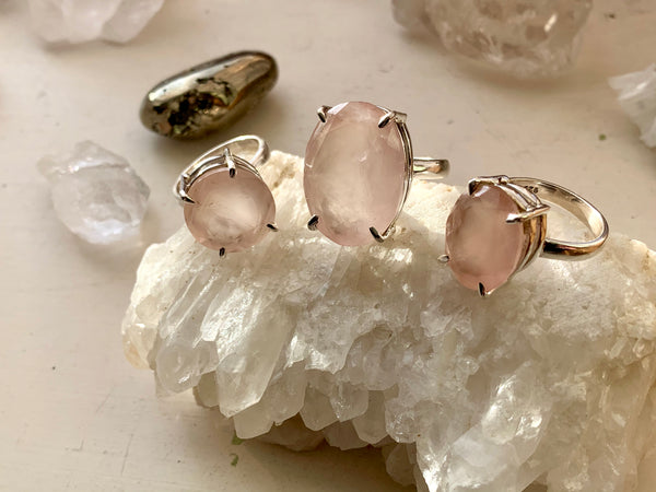 Rose Quartz Sanaa Ring - Round / Oval - Jewels & Gems