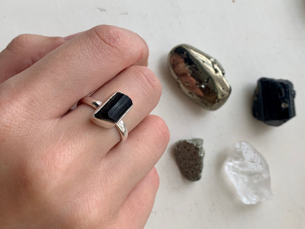 Black Tourmaline Akoni Ring - Freeform - Jewels & Gems