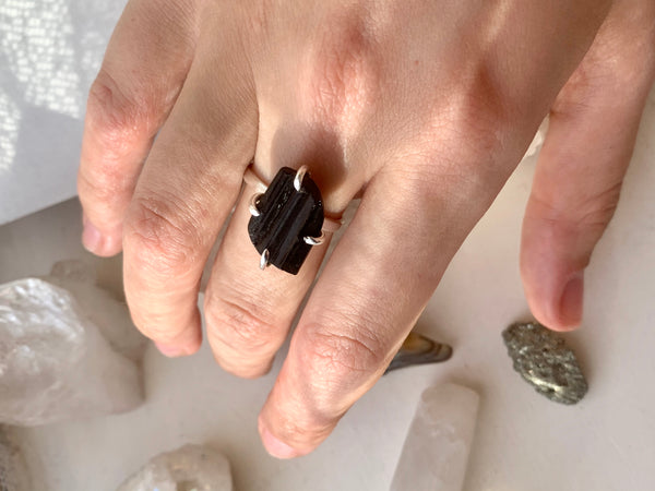 Black Tourmaline Saana Ring - Jewels & Gems