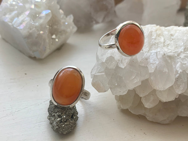 Carnelian Akoni Ring - Oval / Round - Jewels & Gems