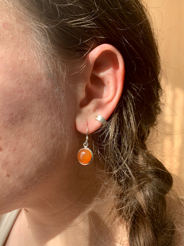 Carnelian Akoni Earrings - Round - Jewels & Gems