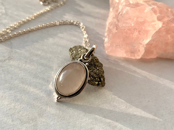 Rose Quartz Ari Dot Pendant - Oval - Jewels & Gems