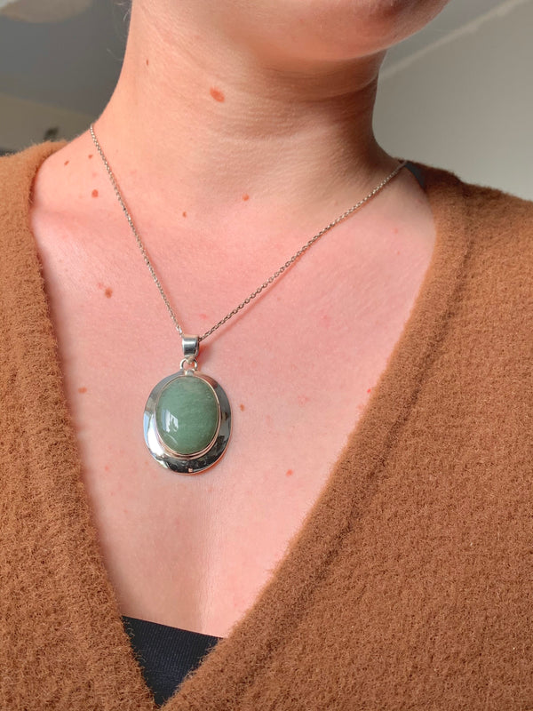 Green Aventurine Medea Pendant - Oval - Jewels & Gems
