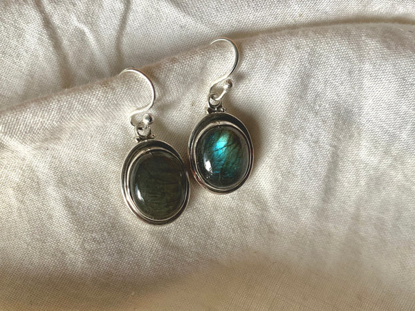 Labradorite Brea Earrings - Oval