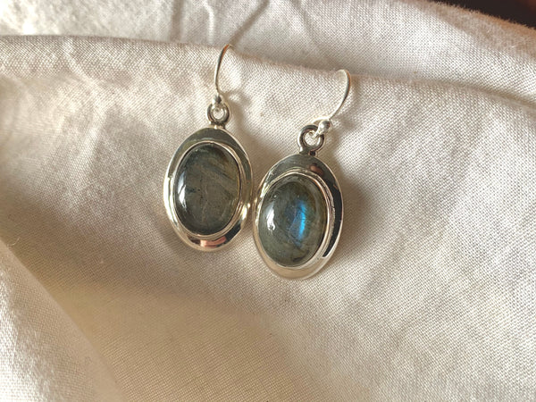 Labradorite Medea Earrings - Oval