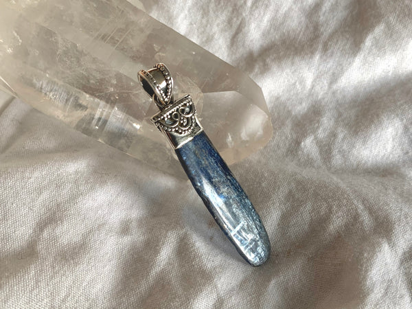 Kyanite Runa Pendant - Large
