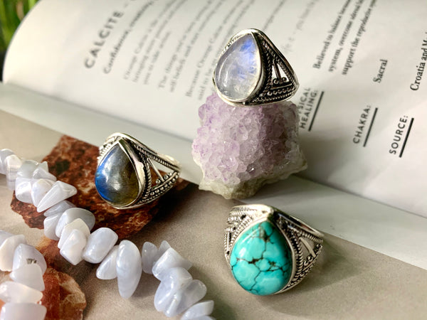 Teardrop Marilis Ring - Jewels & Gems