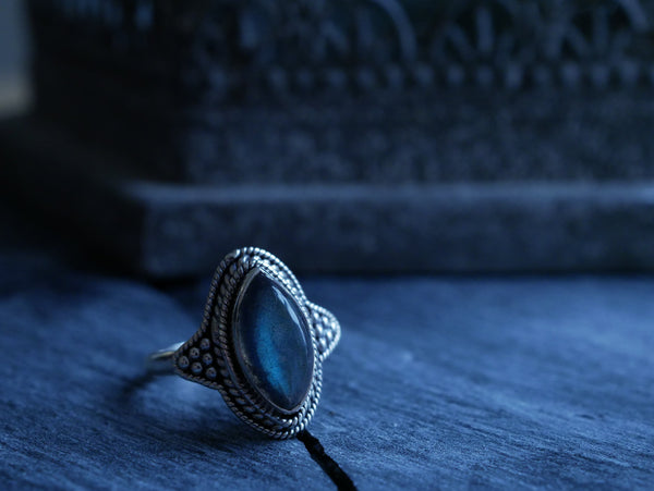 Labradorite Cassia Ring - Jewels & Gems