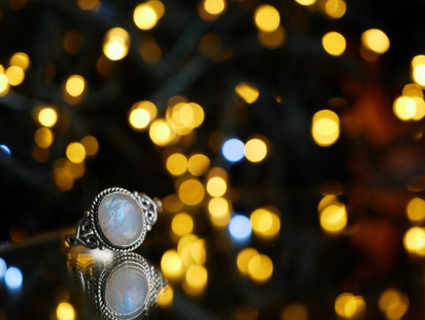 Moonstone Aleta Ring - Jewels & Gems