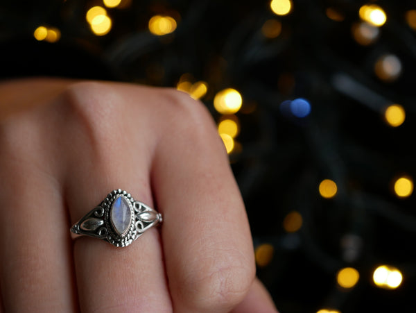 Moonstone Eden Ring - Jewels & Gems