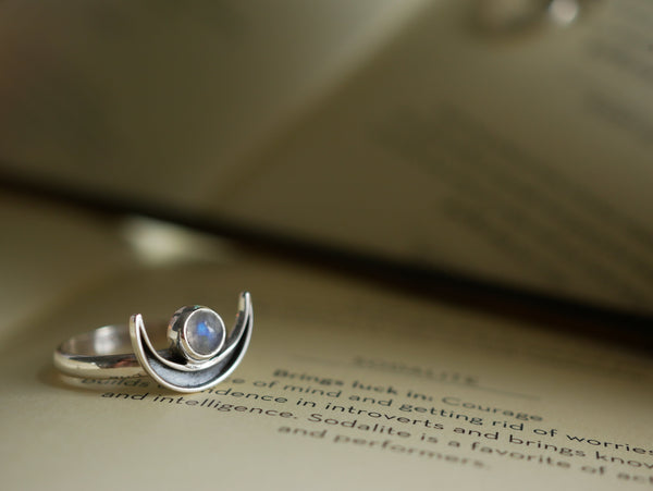 Moonstone Araceli Ring - Jewels & Gems