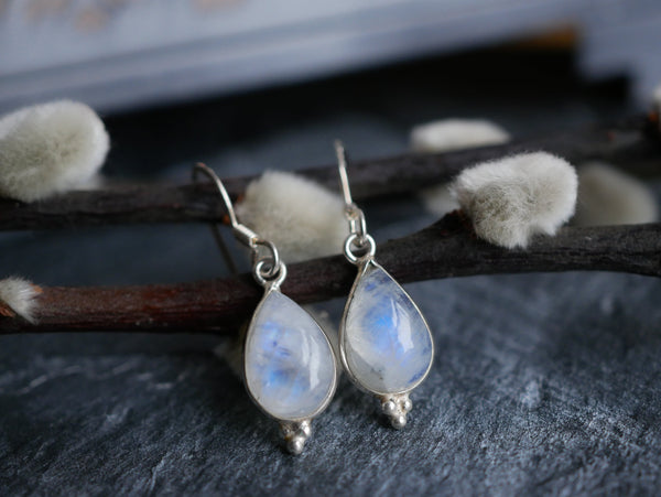 Moonstone Akoni Dot Earrings - Jewels & Gems
