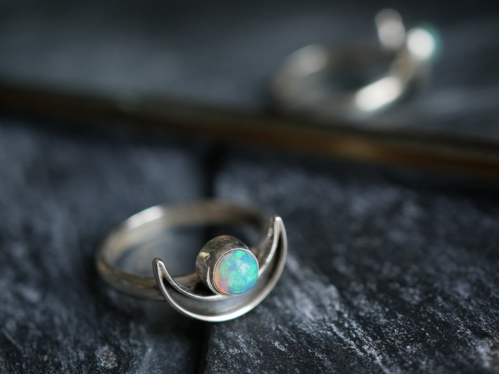 Opal Araceli Ring - Jewels & Gems