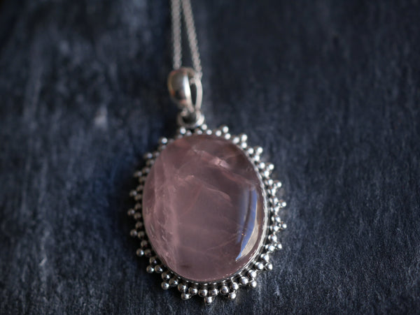 Rose Quartz Lux Pendant Oval - Jewels & Gems