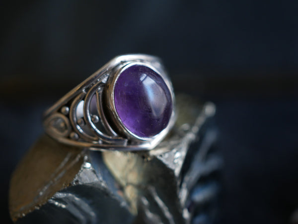 Amethyst Ilkay Ring - Jewels & Gems