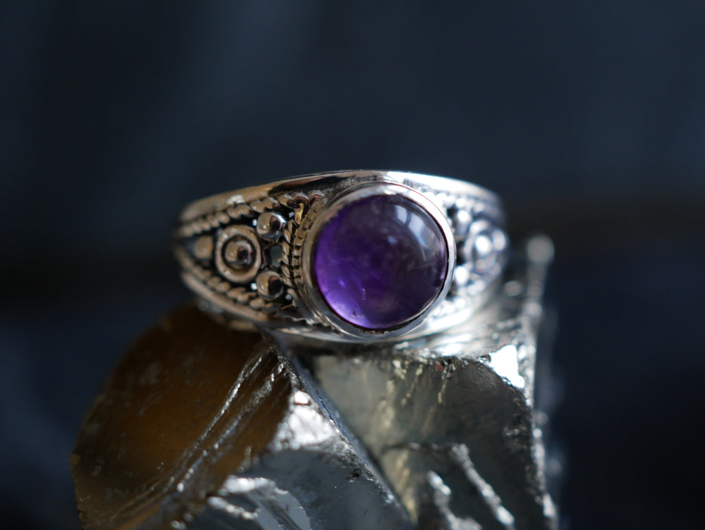 Amethyst Aurea Ring - Jewels & Gems