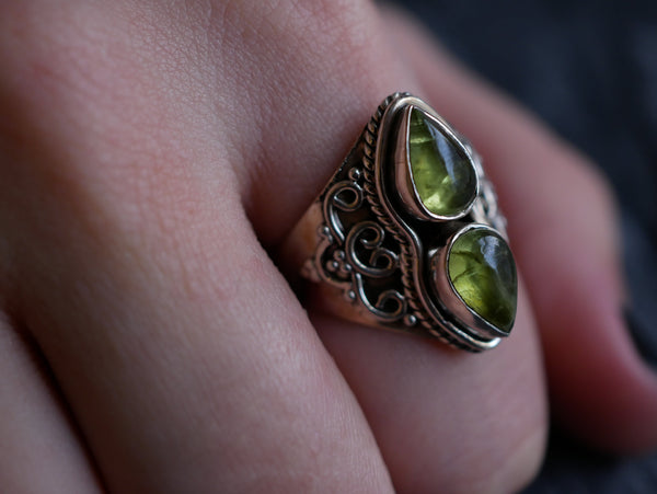 Peridot Athena Ring - Jewels & Gems
