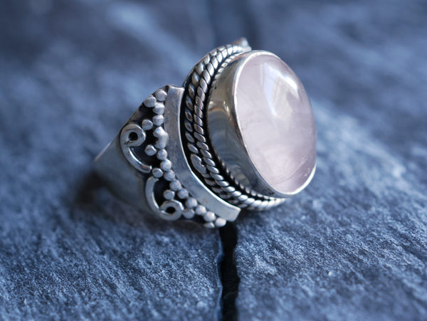 Rose Quartz Onari Ring - Jewels & Gems