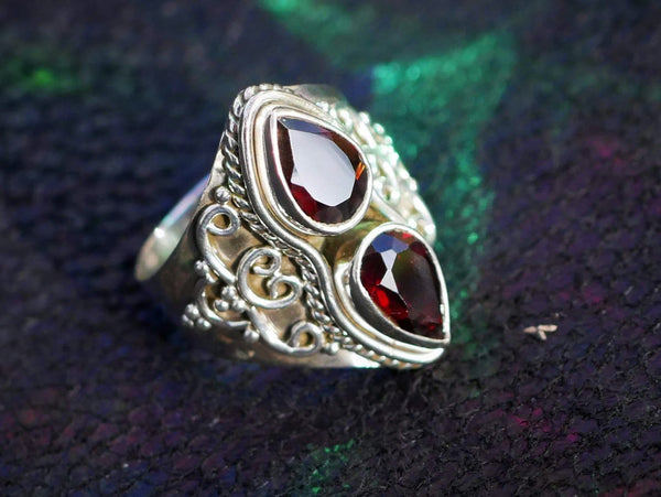 Garnet Athena Ring - Jewels & Gems