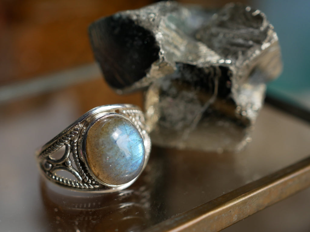 Labradorite Terra Ring - Jewels & Gems