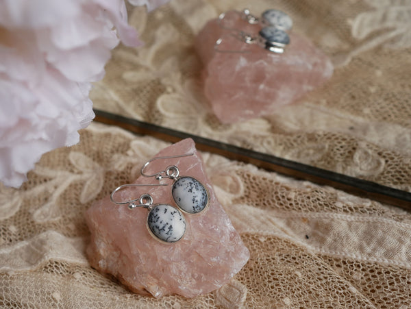 Dendritic Agate Ari Earrings - Jewels & Gems