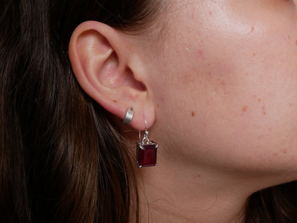 Garnet Saana Earrings - Jewels & Gems