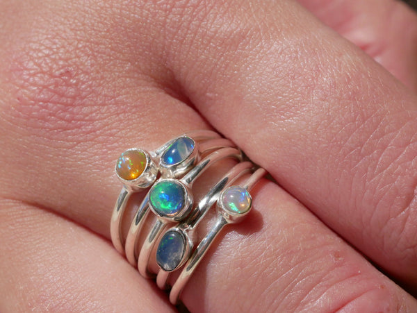 Ethiopian Opal Akoni Ring Oval Small - Jewels & Gems