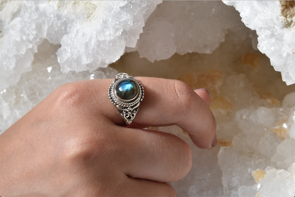 Labradorite Aria Ring - Jewels & Gems