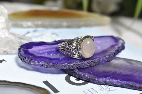 Rose Quartz Aurea Ring Oval - Jewels & Gems