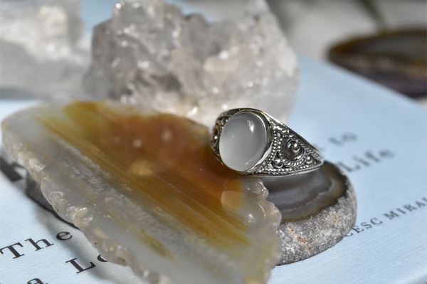 Chalcedony Aurea Ring - Jewels & Gems