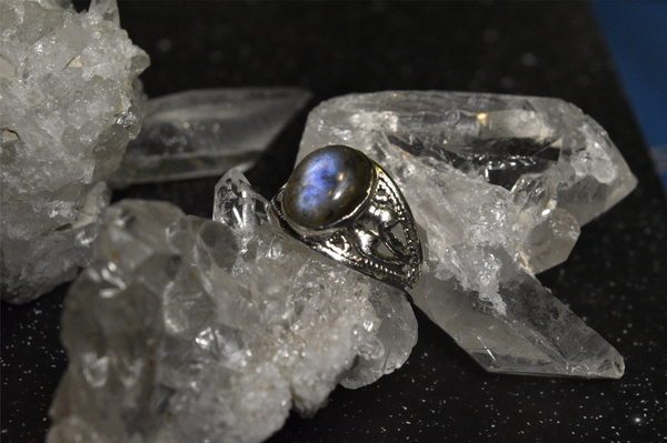 Labradorite Vesta Ring - Jewels & Gems