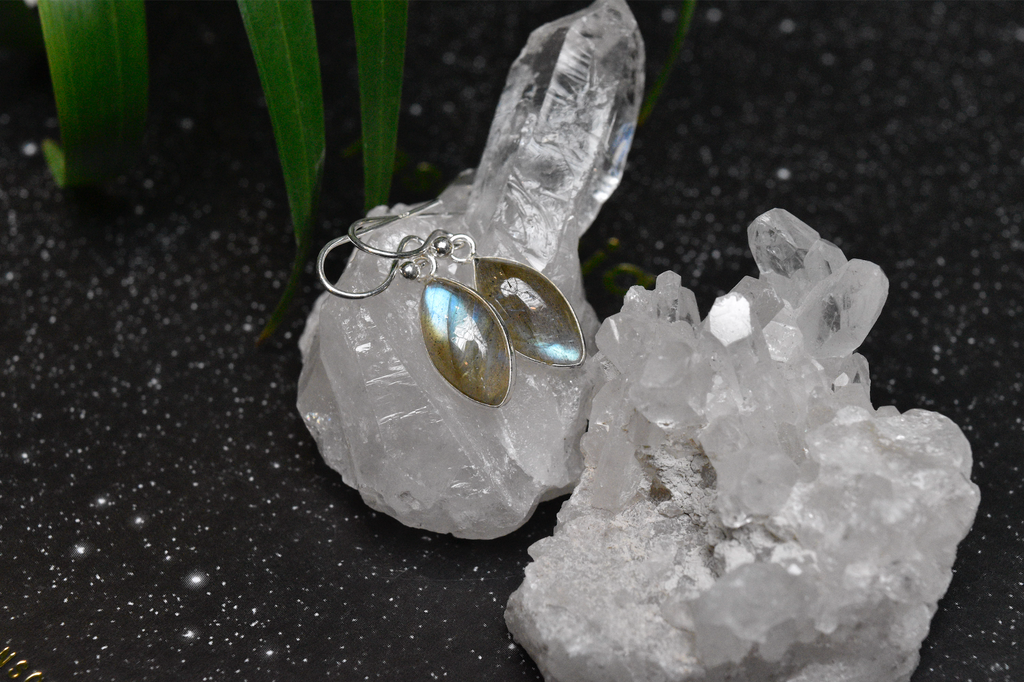 Labradorite Akoni Earrings Almond - Jewels & Gems