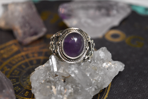 Amethyst Magus Ring - Jewels & Gems