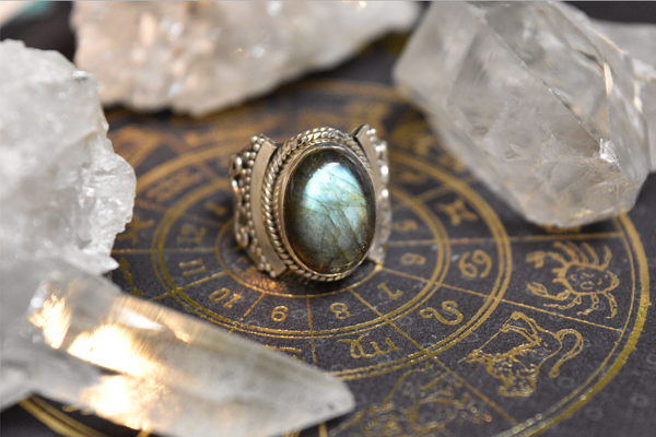 Labradorite Onari Ring - Jewels & Gems
