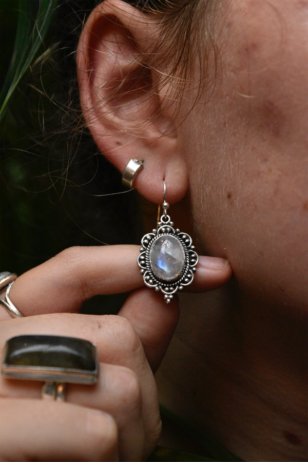Moonstone Nissa Earrings - Jewels & Gems