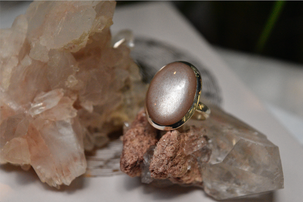 Peach Moonstone Ari Ring Oval - Jewels & Gems