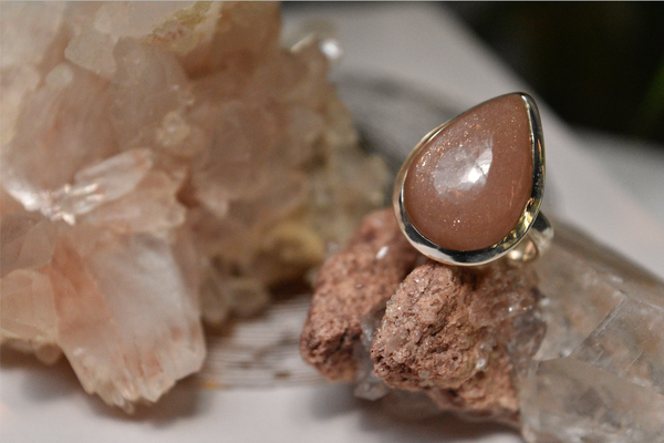 Peach Moonstone Ari Ring Drop - Jewels & Gems