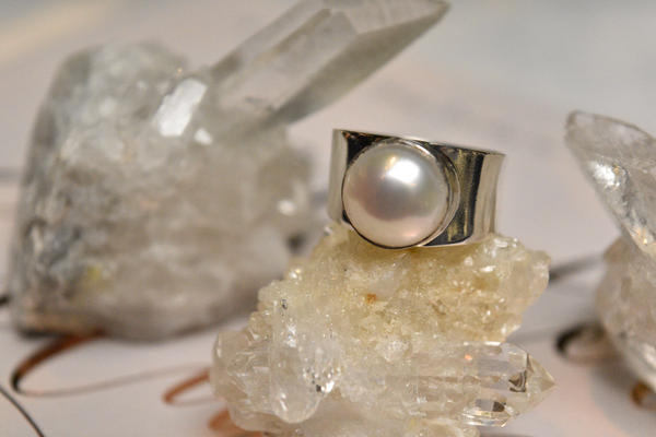 Pearl Signet Ring - Jewels & Gems