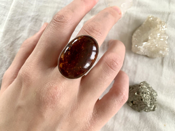 Amber Akoni Ring - Large Oval - Jewels & Gems