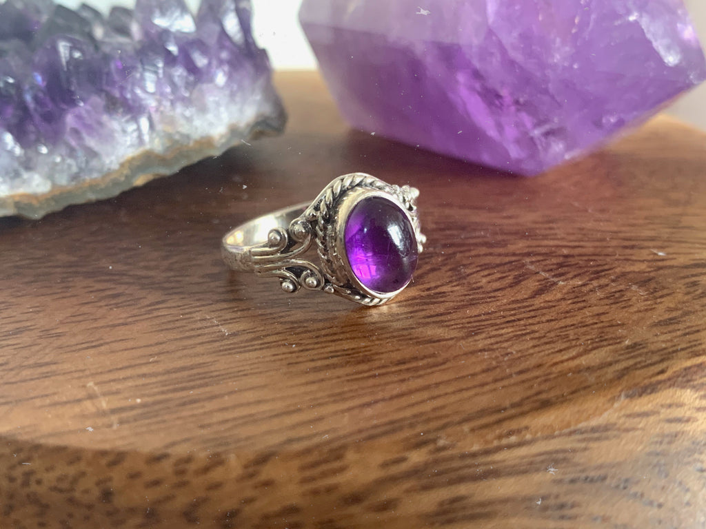 Amethyst Fannia Ring - Jewels & Gems