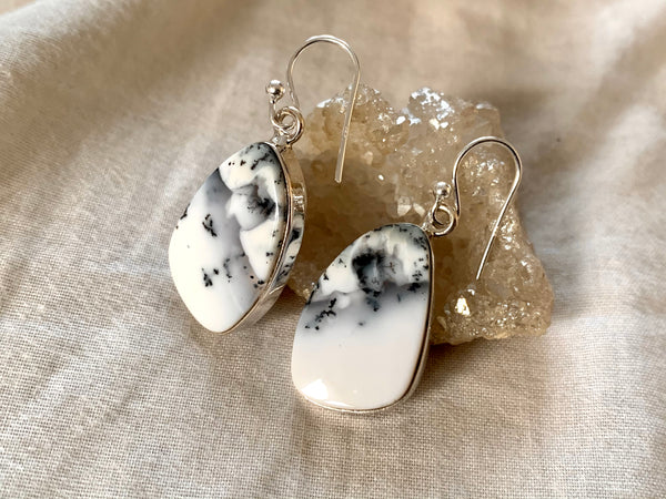 Dendritic Agate Akoni Earrings - Asymmetric - Jewels & Gems