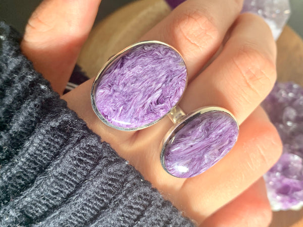 Charoite Akoni Rings - Oval - Jewels & Gems
