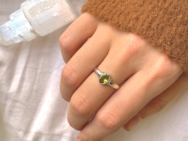 Peridot Danae Ring - Jewels & Gems