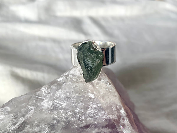 Moldavite Akoni Ring - Freeform - Jewels & Gems