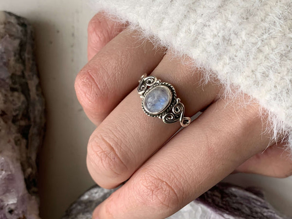 Moonstone Mini Aleta Ring - Jewels & Gems