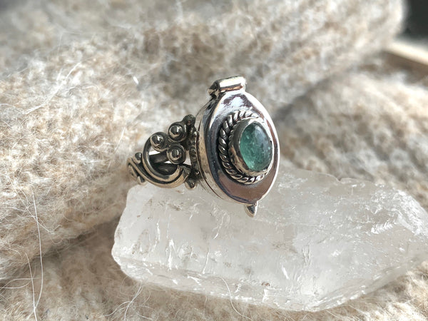Green Tourmaline Poison Ring (Limited Edition) - Jewels & Gems
