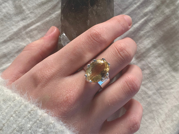 Citrine Tanwen Ring - Large Oval - Jewels & Gems