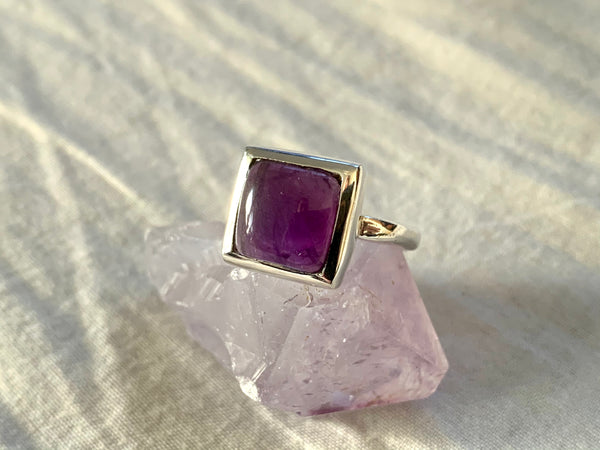 Amethyst / Labradorite / Tiger's Eye Tozi Ring