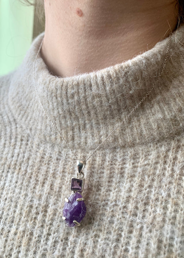 Polished + Raw Amethyst Sanaa Pendant - Jewels & Gems