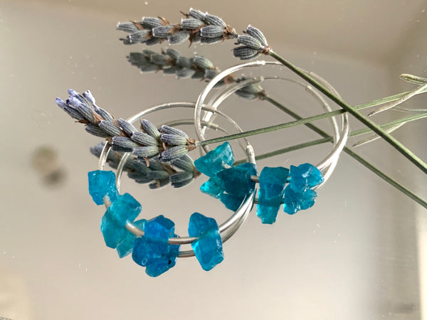 Raw Dark Blue Apatite Hoop Earrings - Jewels & Gems